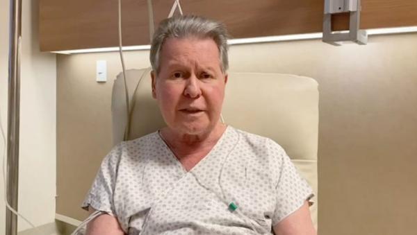 'O pior já passou', diz Arthur sobre tratamento da Covid-19