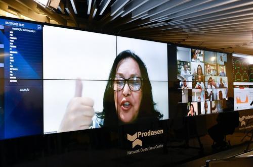 Senado dá prioridade às mulheres chefes de família para receber o dobro do auxílio emergencial