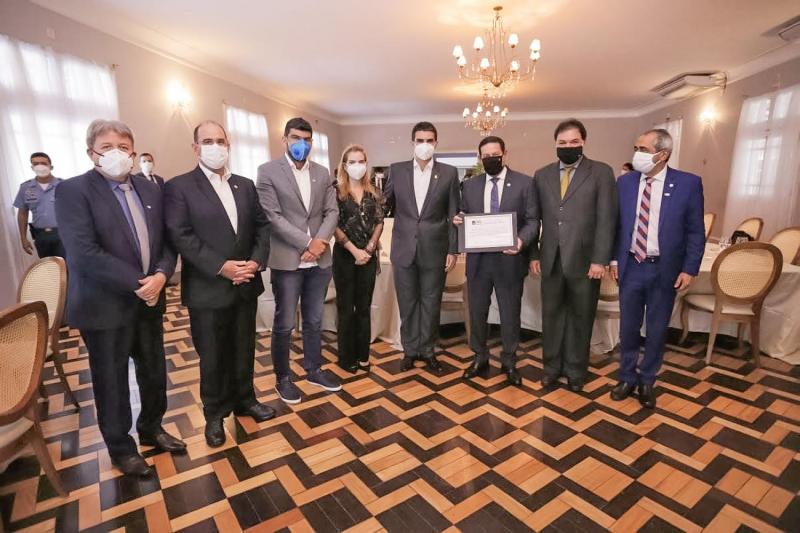 Vice-presidente Hamilton Mourão recebe título de cidadão do Pará