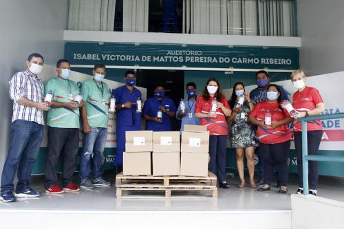 Manaus Solidária recebe doação de mil litros álcool 70% da empresa Química Credie