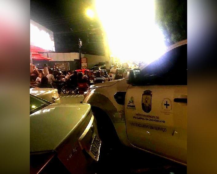 Carro da Representação de São Gabriel é flagrado em choperia de Manaus