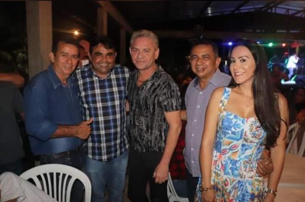 Prefeito de Rio Preto da Eva e vereador promovem 'forró da morte', na pandemia