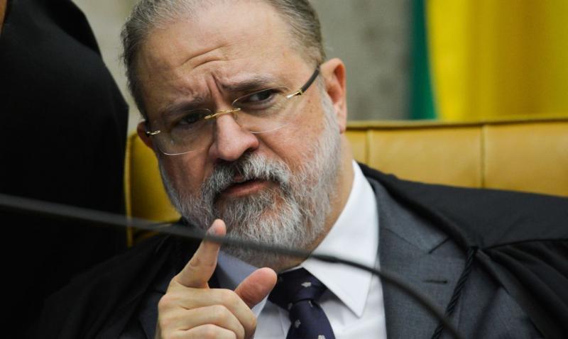 Aras e subprocuradores brigam em reunião do Conselho Superior do MP