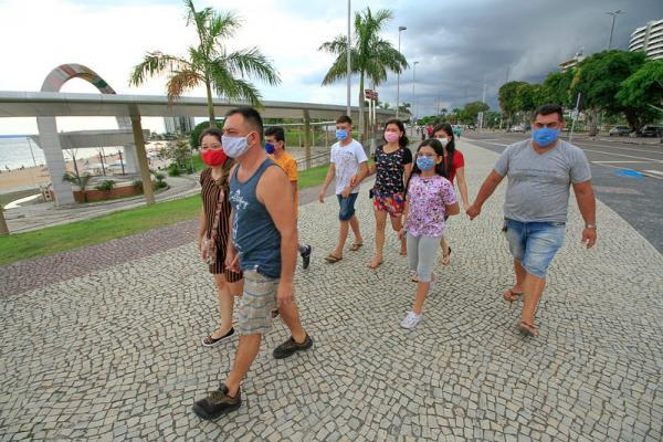 Lei municipal multa em R$ 108 quem não usar máscaras, em Manaus