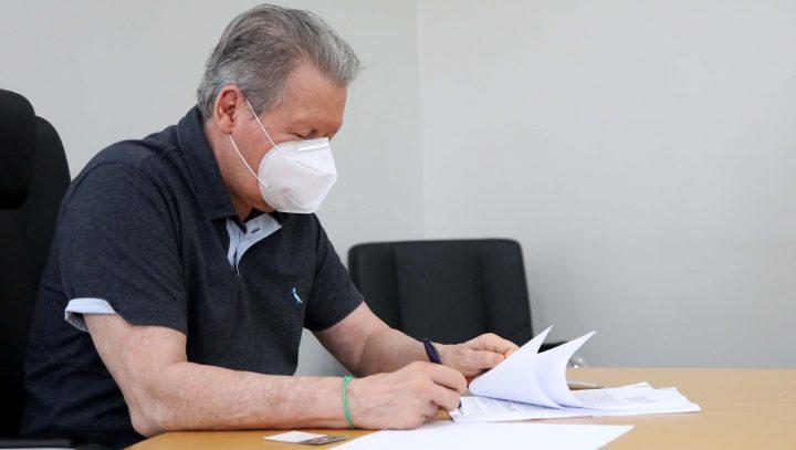 Prefeito de Manaus prorroga proibição de eventos e cortes de água e mantém home office