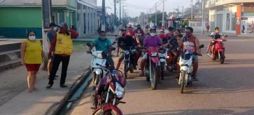 Com apagões em plena pandemia, população de Carauari protesta em frente a Amazonas Energia