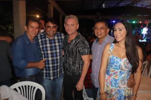 Depois de promover festa de forró e aumentar casos de covid, prefeito suspende eventos