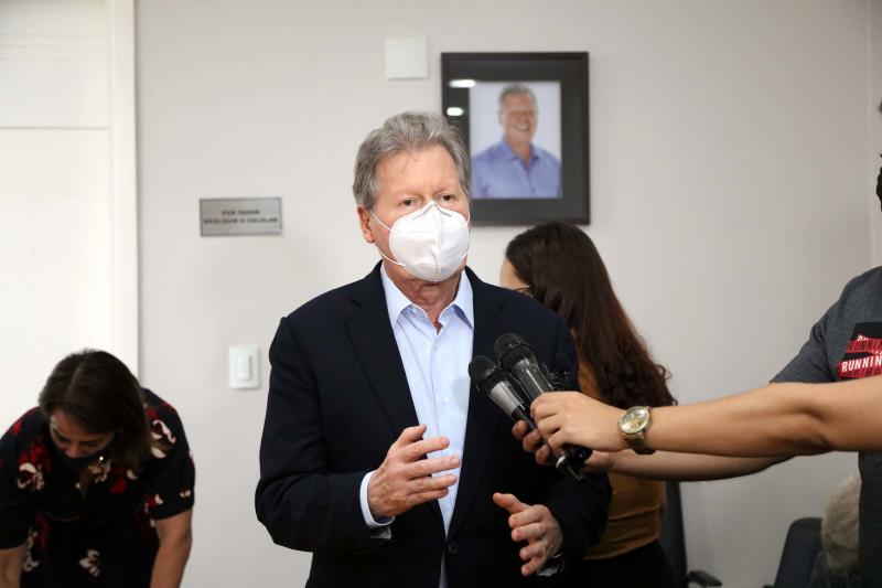 Prefeito de Manaus apresenta balanço da Campanha 'SOS Amazônia'