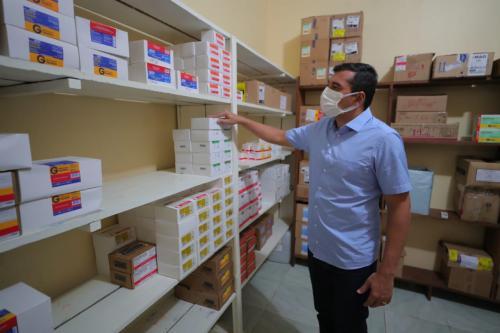 Wilson inaugura Central de Medicamentos em Carauari, onde acontece multirão de cirurgias