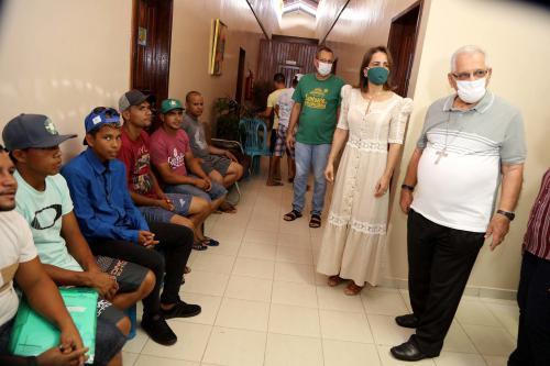 Prefeitura de Manaus realiza ação social na Fazenda da Esperança