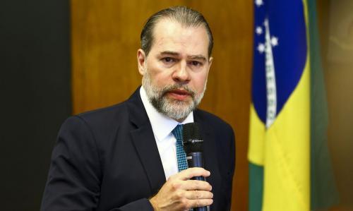 Toffoli é internado em Brasília com pneumonite