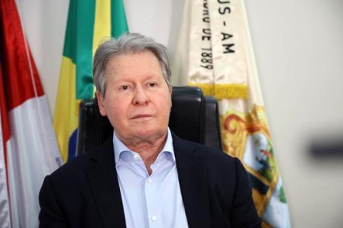 'Considero Bolsonaro corresponsável pelas 100 mil mortes', diz prefeito de Manaus