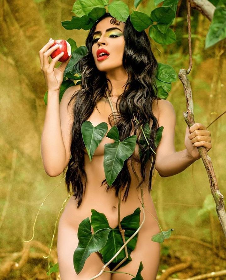 Acsa Laiane posa de 'Eva' e arranca elogios dos seguidores
