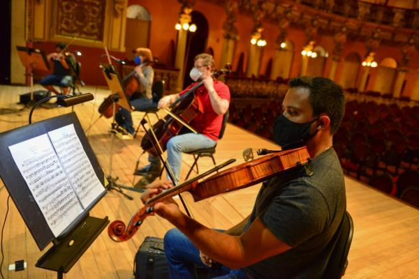 Amazonas Filarmônica apresenta obra de Franz Schubert no Teatro Amazonas