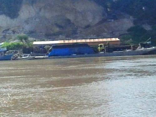 Com vista grossa do Exército, 70 balsas exploram ilegalmente ouro em Humaitá