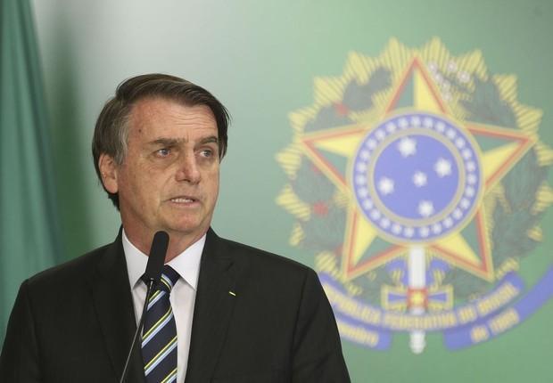 Deputados criticam tweet de Bolsonaro sobre veto à isenção de tributo a igrejas