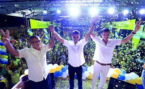 Convenção homologa reeleição de Júnior Leite com Sérgio Mazzini na vice, em Maués