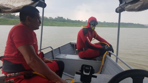 Mergulhadores encontram restos mortais de vítima de explosão no rio Juruá
