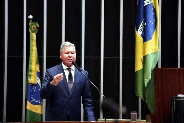 'Se dizem apaixonadas pela Amazônia, mas excluem a ZFM', diz Arthur Virgílio, em nova defesa ao modelo
