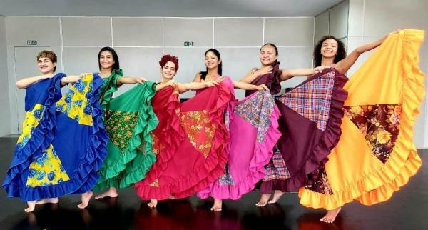 Balé Folclórico apresenta 'Dançando Nossos Compositores' no Teatro da Instalação