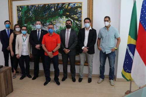 Defensoria Pública do Estado e UEA firmam parceria para qualificação de defensores, servidores e colaboradores
