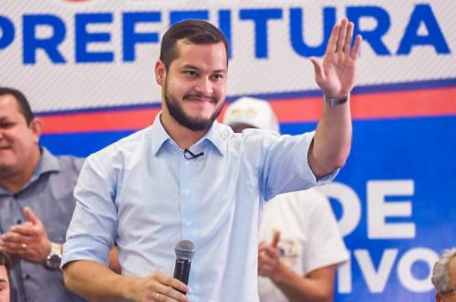 Juiz eleitoral dá sete dias para Adail Filho apresentar defesa sobre 'inelegibilidade'