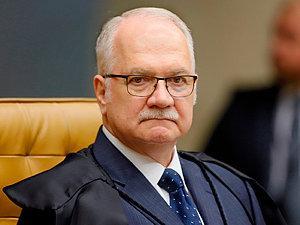 Fachin determina que STJ julgue recurso de Lula no caso tríplex