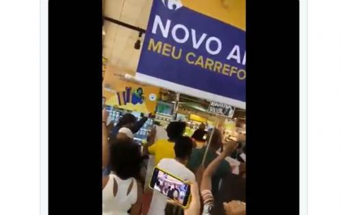 Protestos em seis capitais em frente ao Carrefour, após morte de homem negro