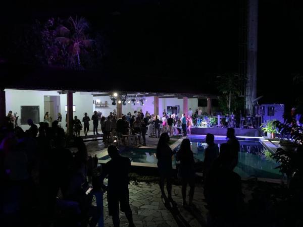 Fiscalização de domingo fecha festa de adolescentes no Novo Aleixo, com 2 mil pessoas