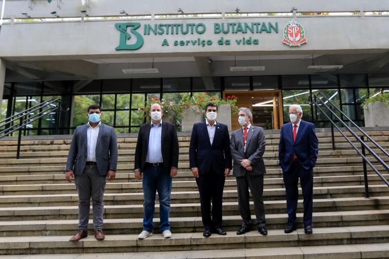 Helder Barbalho visita sedes do Butantan e Fiocruz para discutir fornecimento de vacina para o Pará
