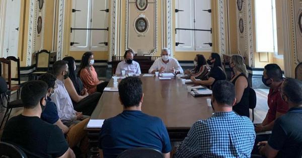 Prefeitura de Manaus anuncia criação de comissão especial para dar assistência a artistas de covid