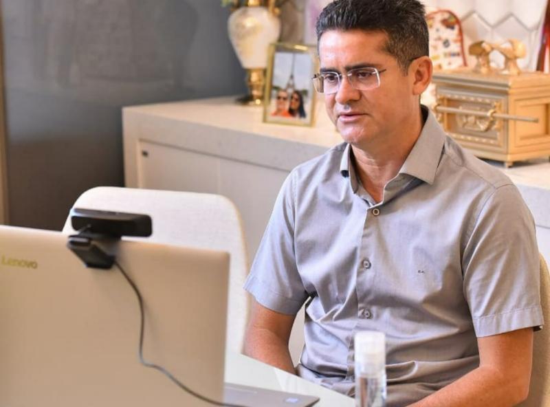 Prefeito de Manaus diz que se fosse governador do AM também proibia entrada de barcos do Pará