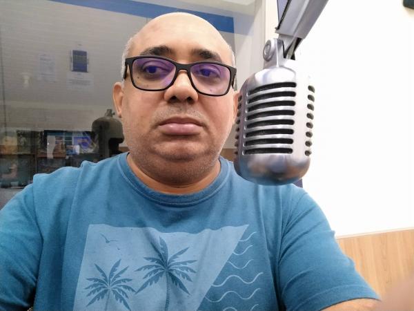 Jornalista roraimense lança livro sobre podcasts