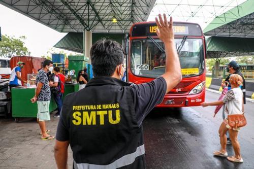 Manaus volta a operar com 100% da frota de ônibus
