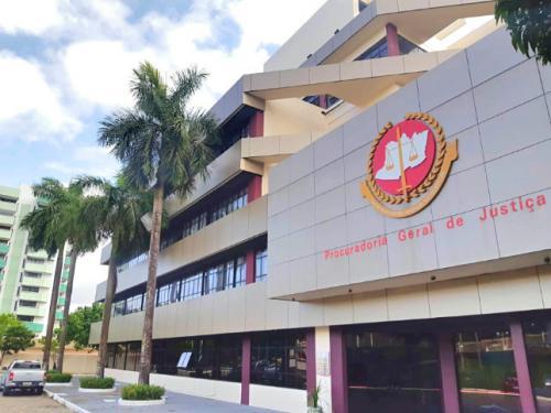 MP pede prisão do prefeito de Manaus e secretária de saúde; desembargador empurra pedido ao TRF1
