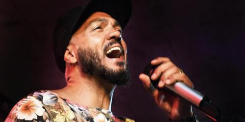 Após show de carnaval na Maré, cantor Belo é preso no Rio