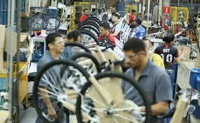 Em novo golpe contra Manaus, Bolsonaro corta incentivos fiscais do Polo de bicicletas