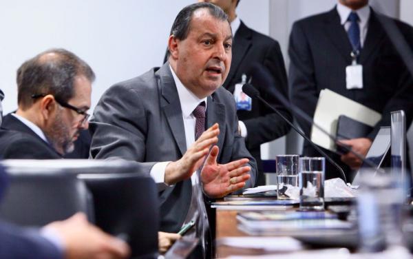 Em carta a Bolsonaro, Omar Aziz pede revogação de ato que atinge Polo de bicicletas da Zona Franca