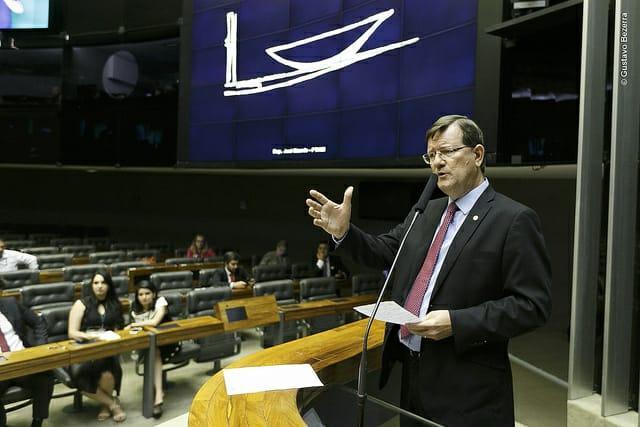 Zé Ricardo entra com Projeto de Decreto Legislativo para barrar ato de Bolsonaro contra bicicletas da ZFM