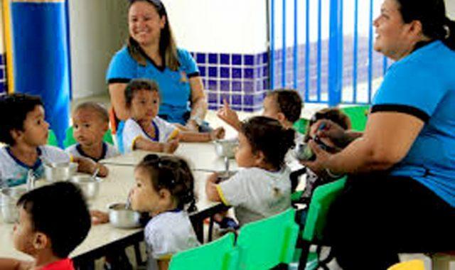 Deputado do AM propõe contratação temporária de mães desempregadas em escolas e creches