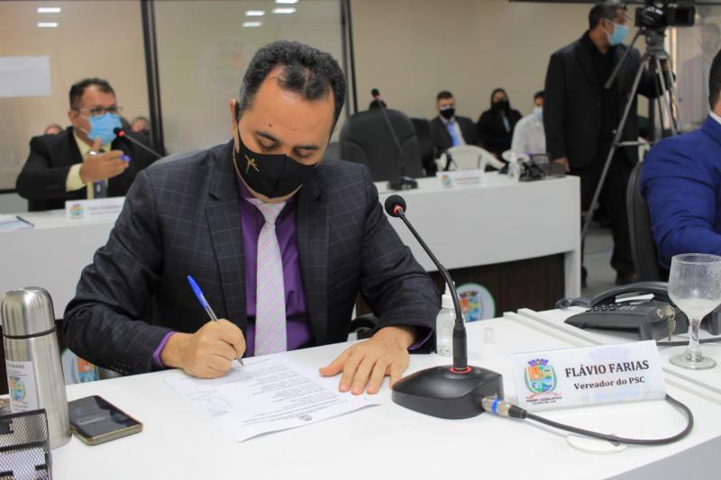 Câmara aprova, por unanimidade, requerimento de Flávio Farias que pede leitos de UTI, com urgência, para Parintins