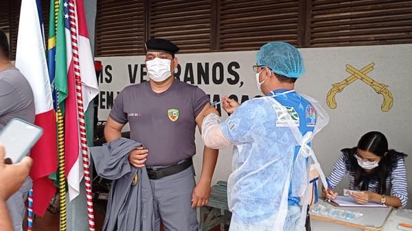 Benjamin Constant é o primeiro município do AM a vacinar profissionais da área da segurança