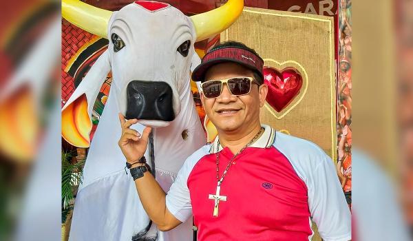 Morre em Curitiba, Junior de Souza, mestre dos rituais do Festival de Parintins