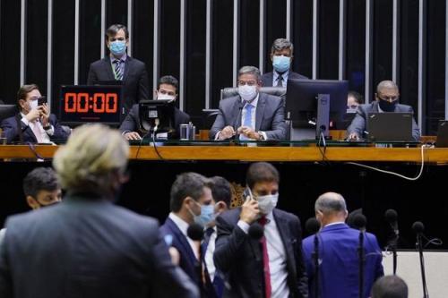 Câmara aprova novo marco legal do gás, que segue para sanção presidencial