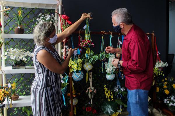 Prefeitura de Manaus realiza transmissões ao vivo de exposição de artesanato