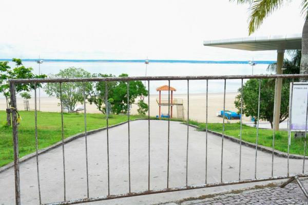 Prefeito de Manaus mantém praia da Ponta Negra interditada até 30 de abril