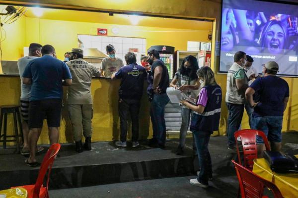 CIF fecha bares e festas por descumprimento ao decreto na sexta-feira santa, em Manaus