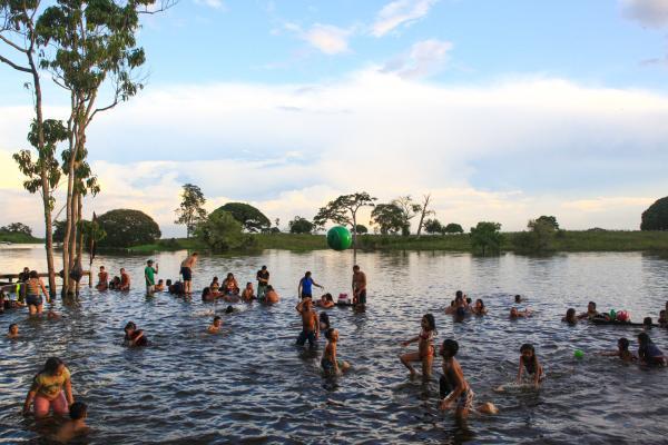 Parintins mantém toque de recolher de 20h às 5h e fecha 'Cantagalo'