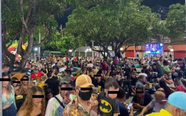 Governo do AM fecha por 15 dias bares e restaurantes da praça do Eldorado