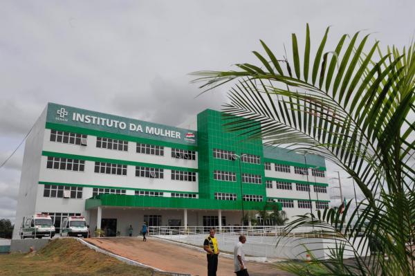 Três morrem em Manaus após casal de médicos usar nebulização de cloroquina, diz Folha